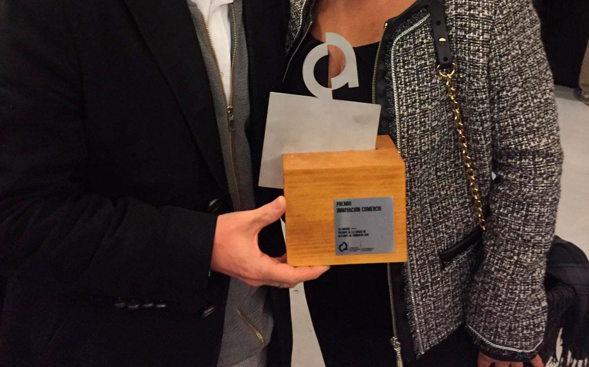 Motos Motour, premio a la innovación en el comercio de Alicante